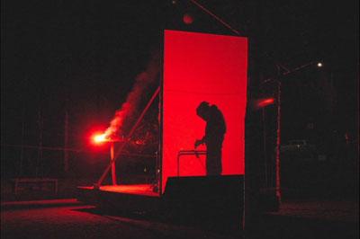 Les feux sont faits - Eine pyroszenische Bespielung des Turbinenplatzes in Zürich. Bachelorarbeit der ZHdK zusammen mit 10 Mitstudierenden unter der Leitung von Serge Lunin und Dodó Deér, 2008, 5/18