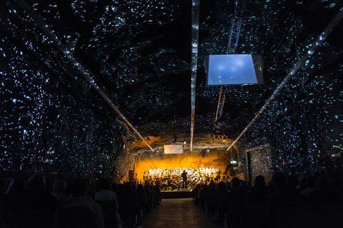 """Lichtkonzept für """"The Armed Man"""" zusammen mit Urs Kobelt, für den CantiChor der Kantonsschule unter der Leitung von Harri Bläsi, 2015, 1/3"""